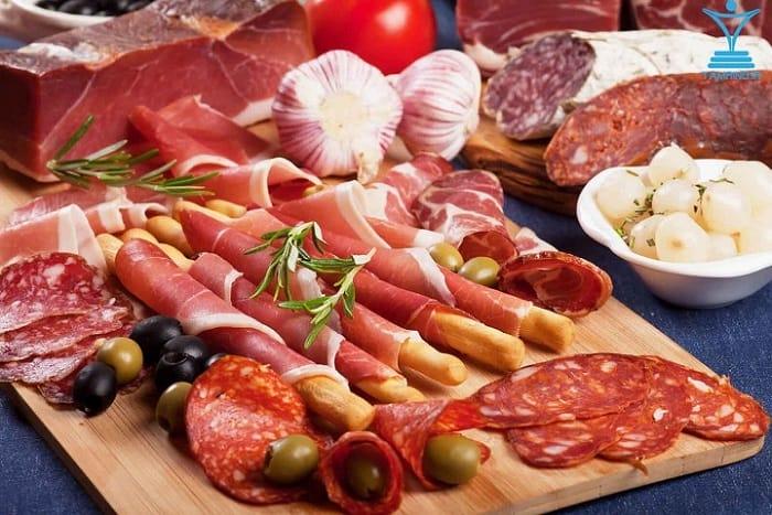 گوشت فراوری شده کالباس tamrino.ir