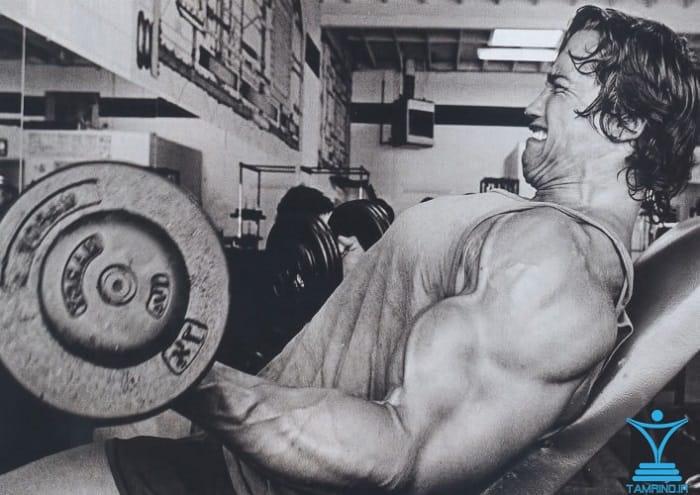 جلو بازو آرنولد