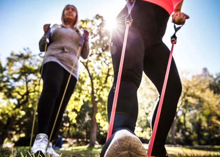 کش ورزشی، کش بدنسازی، وسایل فیتنس بانوان برای ورزش در خانه